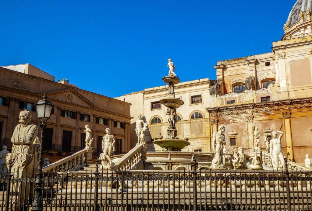 Palermo med Italian Travel