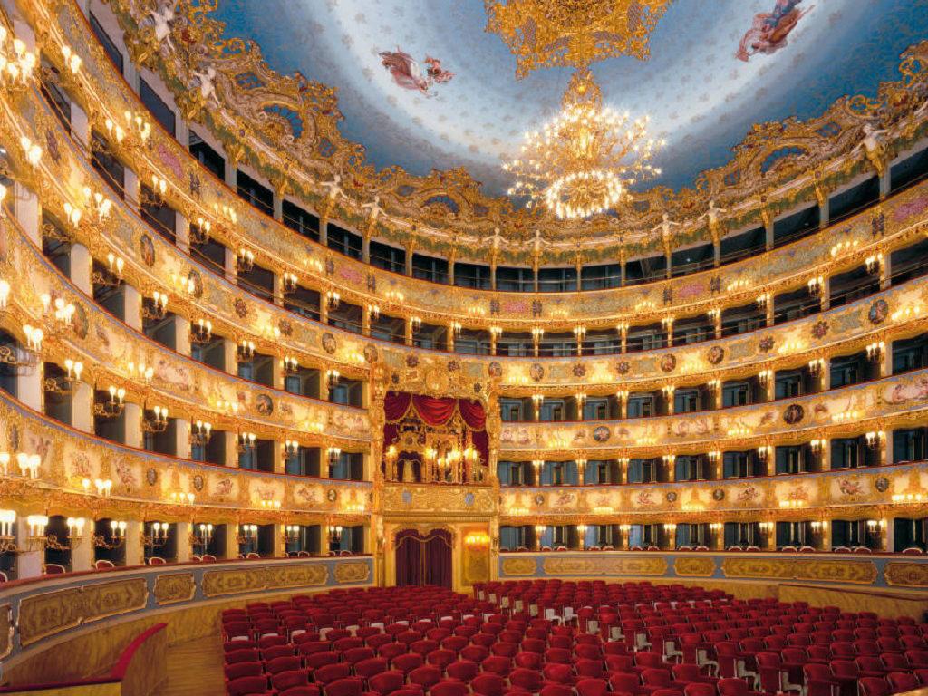 Teatro la Fenice - Italian Travel